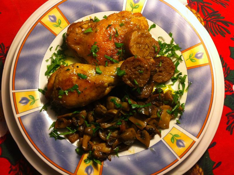 pollo con funghi e salsiccia